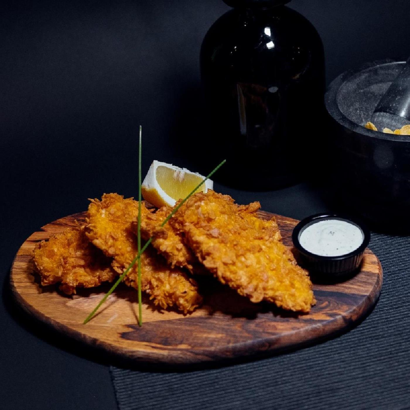Хрупкави пилешки хапки с млечен сос